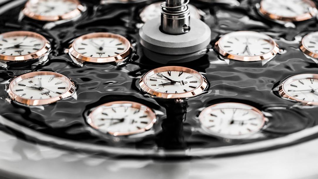 Test d'étanchéité d'une montre Omega